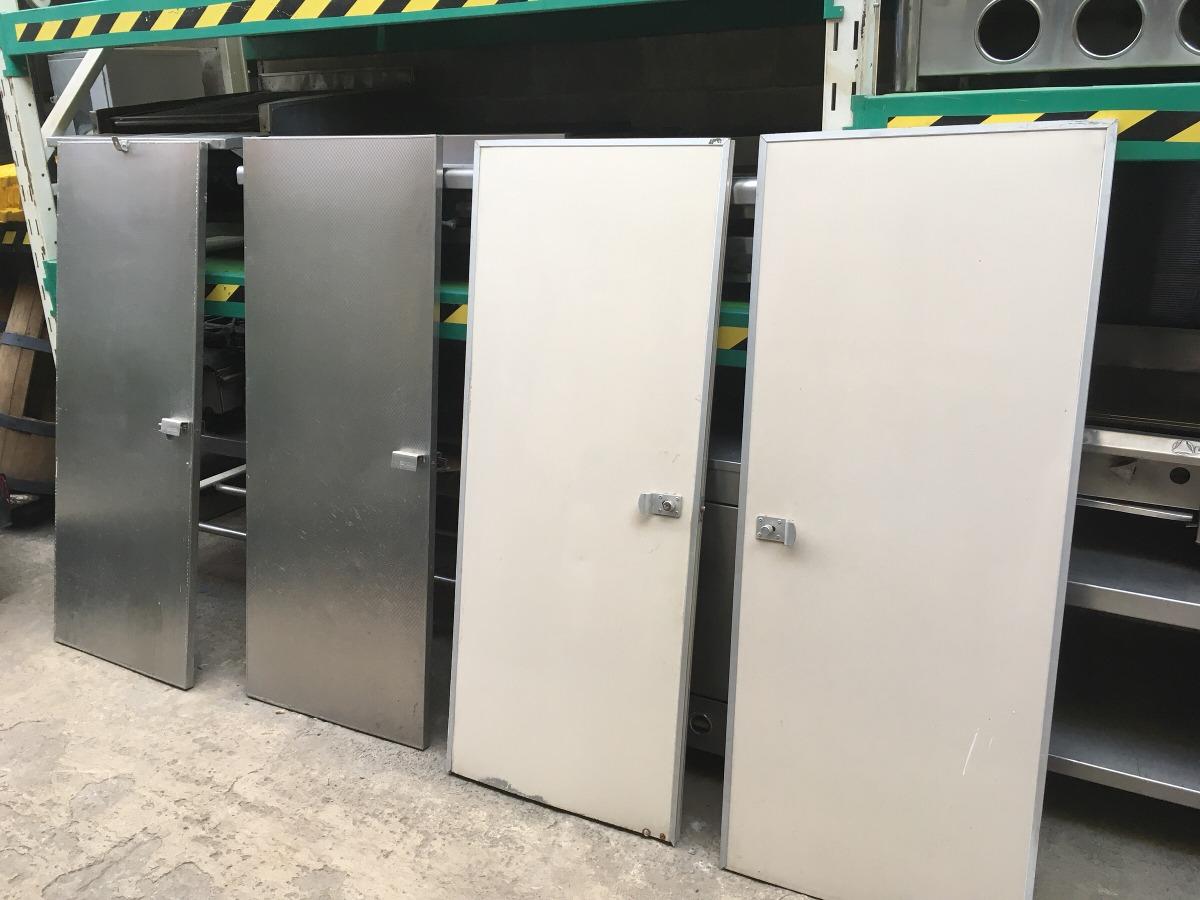 Puerta de aluminio para ba o p blico 1 en for Puertas de bano de aluminio