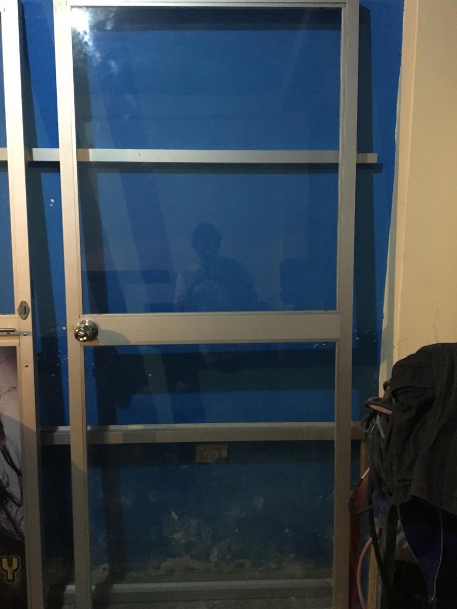Puerta De Aluminio Y Vidrio En Perfecto Estado Con Chapa - U$S 100 ...