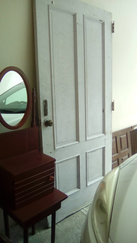 puerta de caoba centenaria