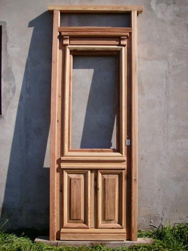 puerta de frente de pinotea.