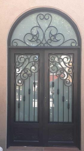 puerta de hierro de dos hojas  estilo antiguo  inovitec