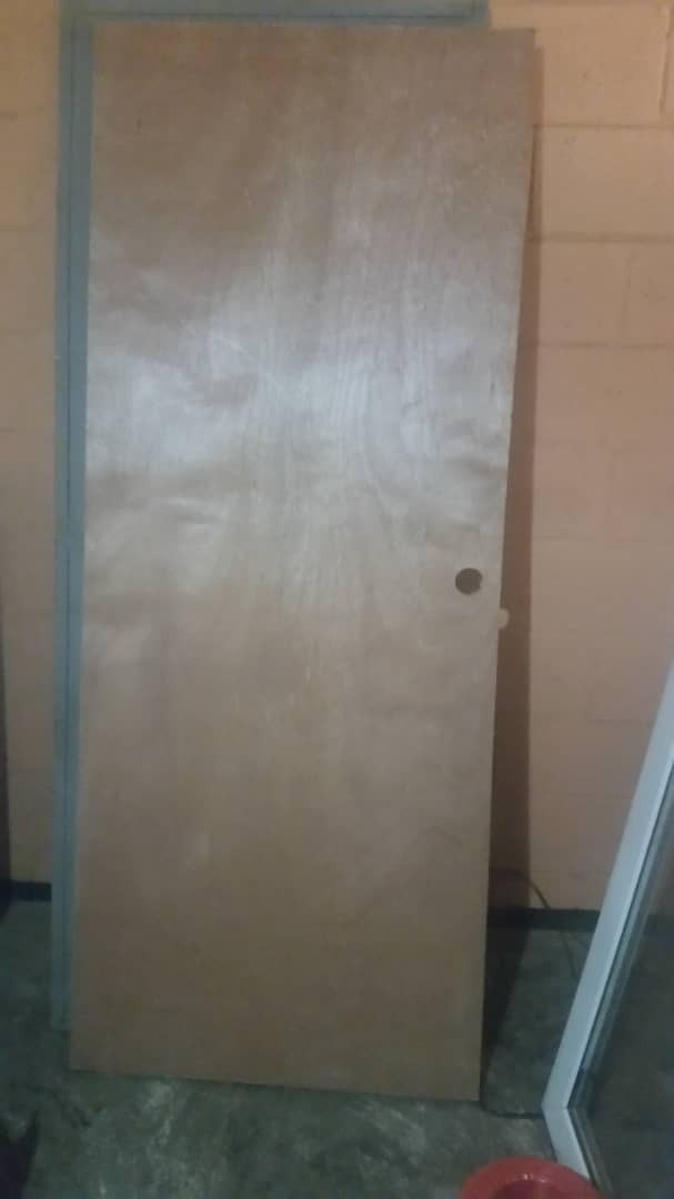 Puerta De Madera Entamborada. Para Cuartos, Baños Nueva - Bs. 2.400 ...