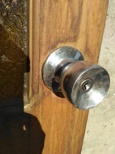 puerta de madera maciza con vidrio fantasía
