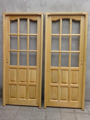 puerta de madera vidrio repartido en alamo