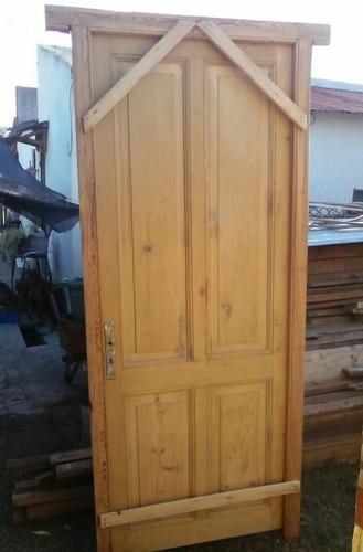 puerta de pino blanco