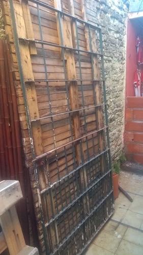 puerta de reja 2x110 usada