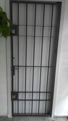 puerta de reja doble cerrojo, en 12mm