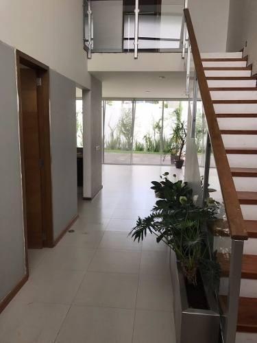 puerta del valle!!!!!! hermosisima casa en venta