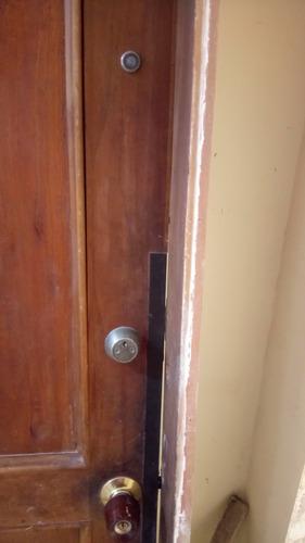 puerta en madera antigua negociable
