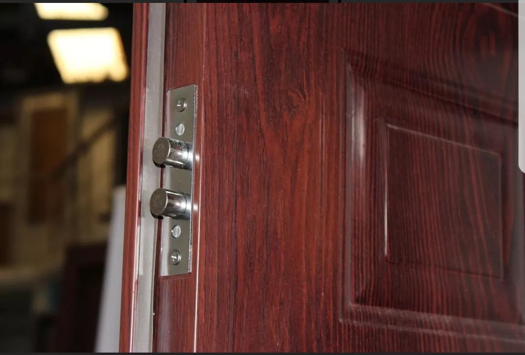 Puerta exterior semiblindada chapa doble ciega for Puertas de chapa galvanizada
