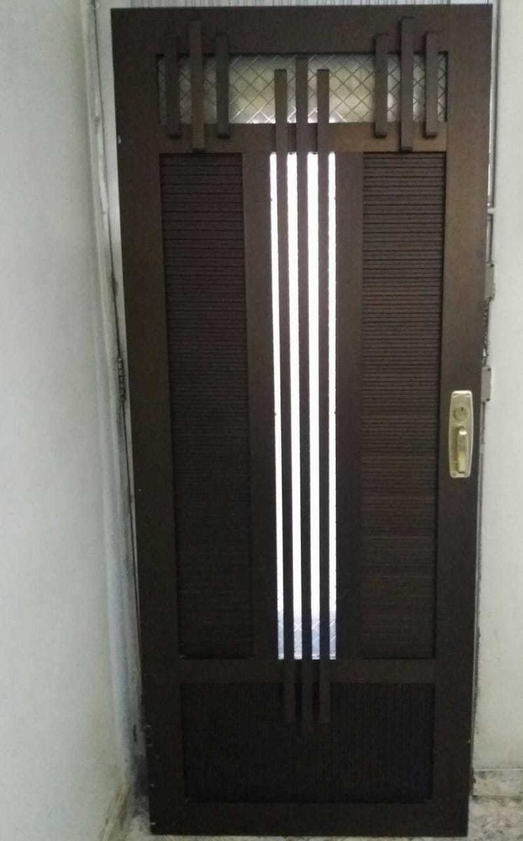 puerta garage tres alas en aluminio