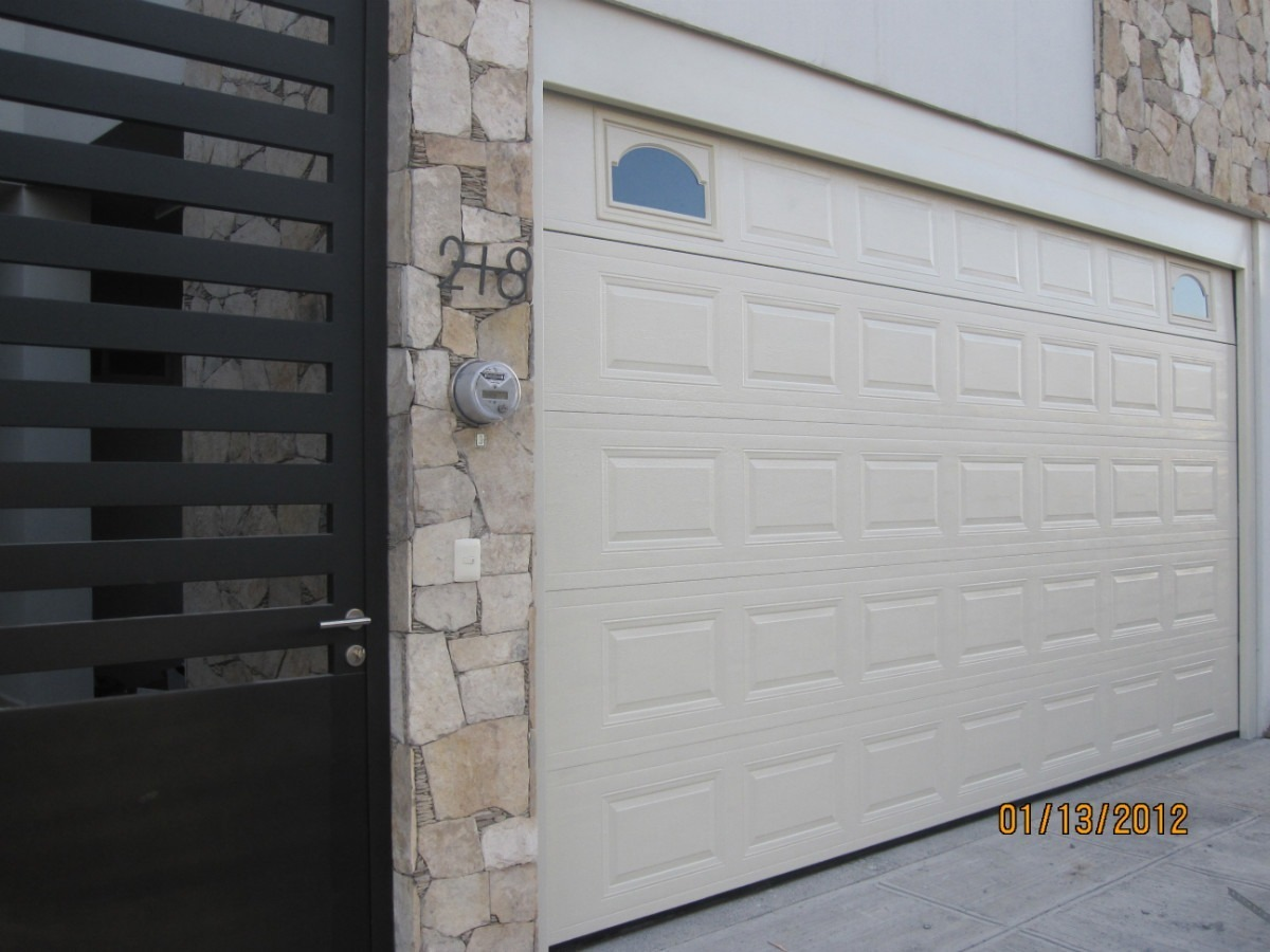 Puerta garaje seccional automatica ascendente 15 300 - Puertas automaticas para cocheras ...