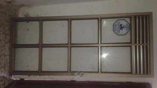 puerta grande para una oficina consultorio o viseversa