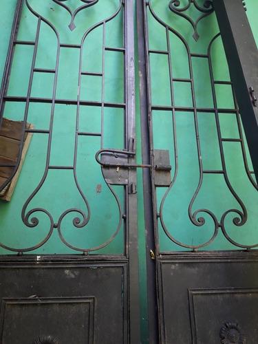 puerta hierro forjado antigua