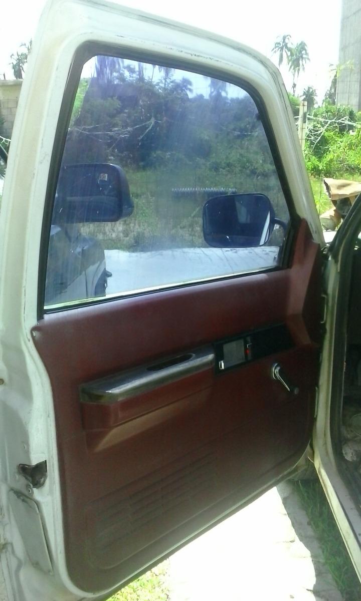 Puerta izquierda chevrolet suburban 92 99 por partes for Cuanto sale una puerta