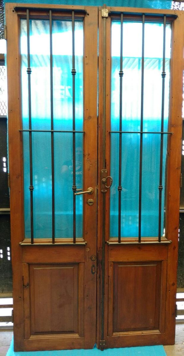 Puerta Madera Con Rejas Y Vidrio Doble Hoja Sin Marco - $ 10.000,00 ...
