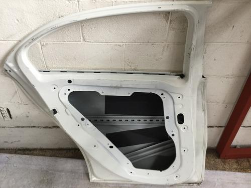 puerta mercedes benz c a izquierda trasera 14-16 c/detalle