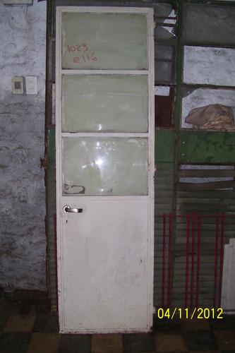 puerta pesada 63 cm x 210 cm