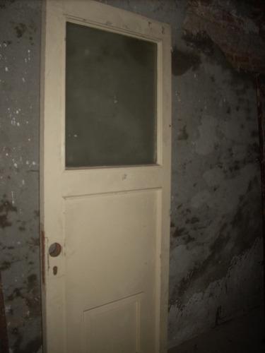 puerta pesada 79 cmx 211 cm c/vidrio 60 cmx 70 cm