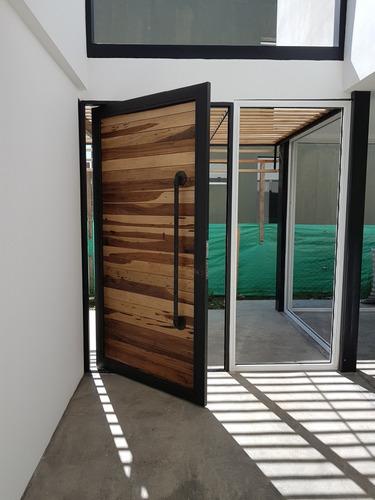 4 puerta pivotante industrial - Puerta Pivotante
