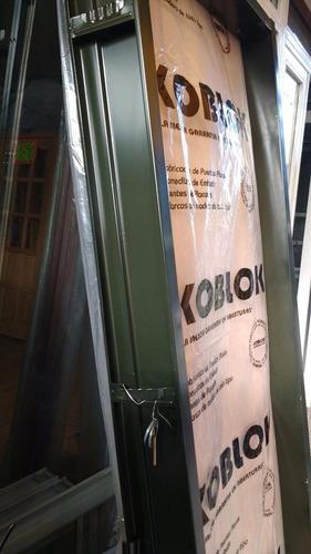 puerta placa 60x200 con marco chapa 10 ó 15cm