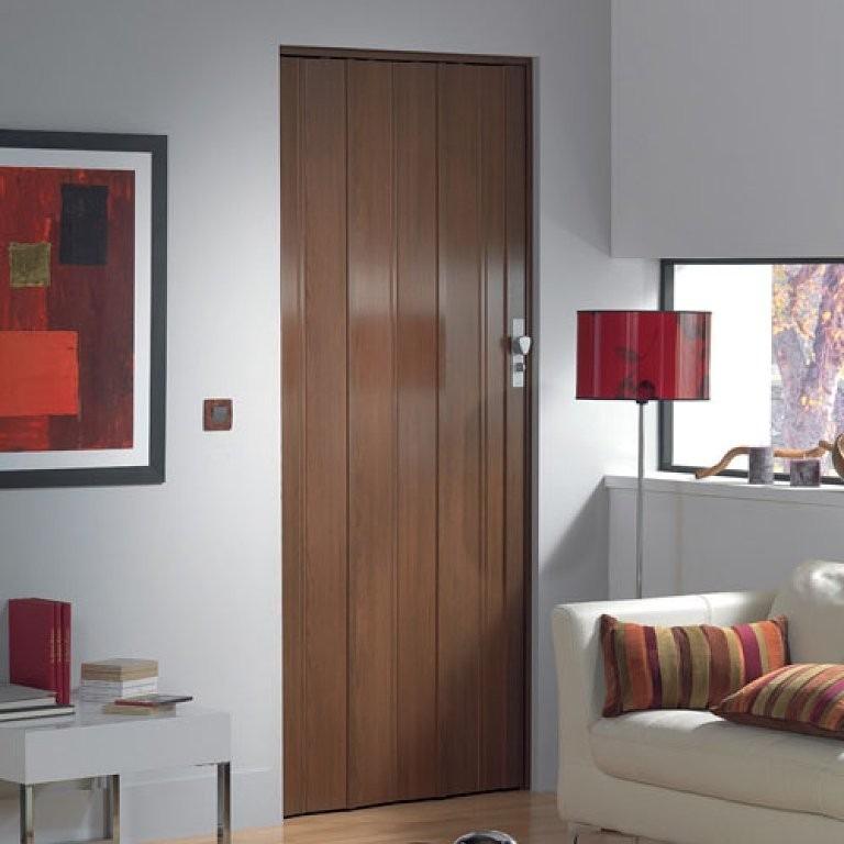 Puerta plegable color madera en pvc 120 x 220 1 for Puertas color madera