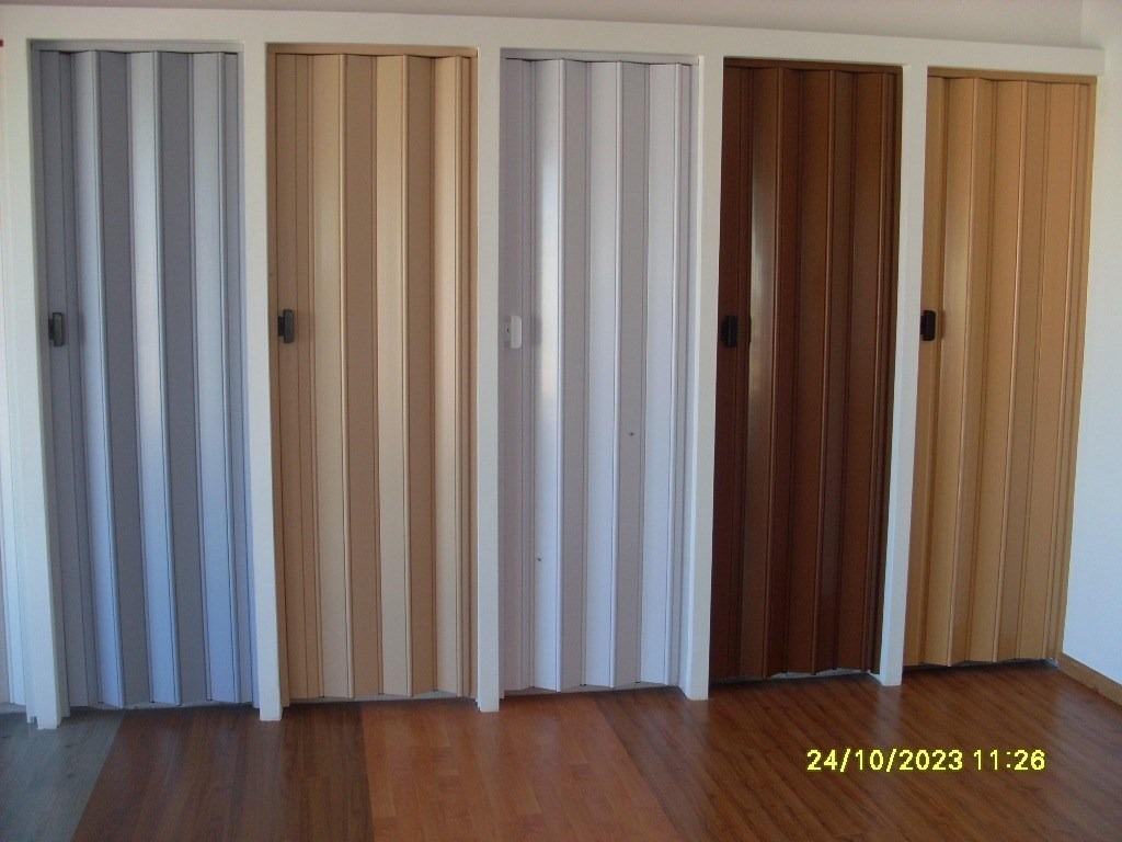 Puerta plegable pvc 1 2 x 2 10 colocacion en el dia 2 - Kit puertas plegables ...