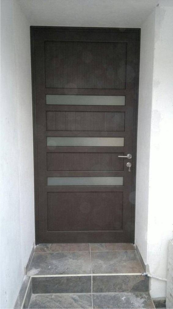 Puerta principal de aluminio terminado madera 5 Puerta balcon aluminio medidas