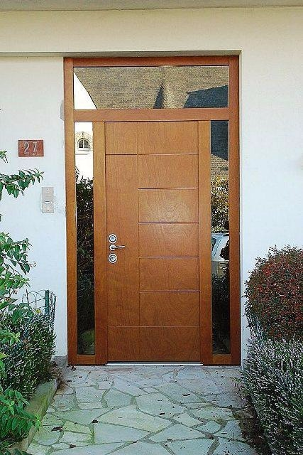 Puerta principal puerta contraplacada en cedro y otros for Puertas de acceso principal
