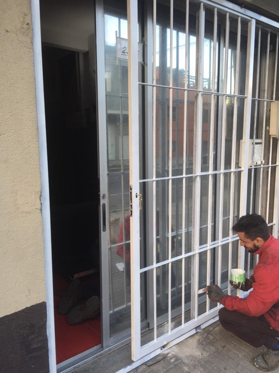 Puerta reja en hierro corrediza o batiente a medida en 12 for Precio de puertas corredizas