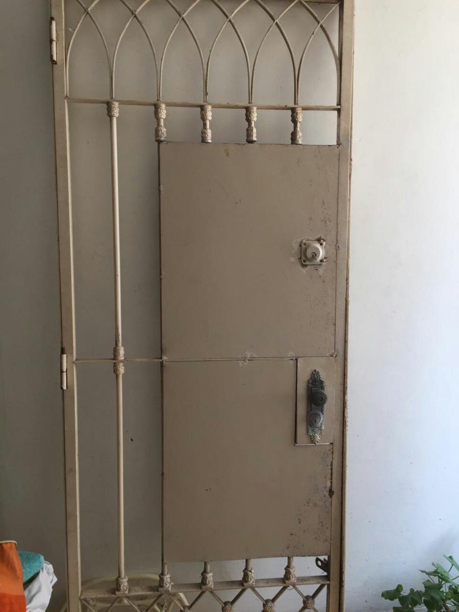 Rejas para puertas simple estupendo en las puertas de un for Amaru en la puerta de un jardin