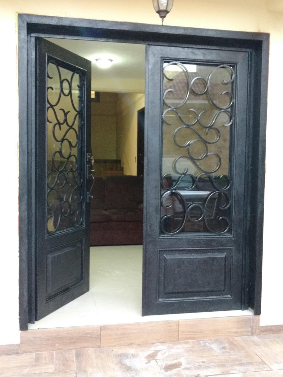 puerta residencial de herrer a modelo cl sico metro cuad