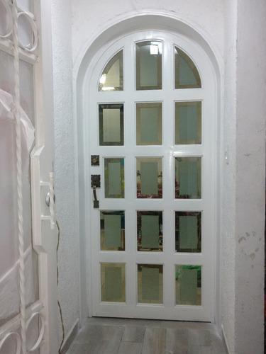 Puerta ret cula residencial de herrer a metro cuadrado for Puertas para exteriores economicas