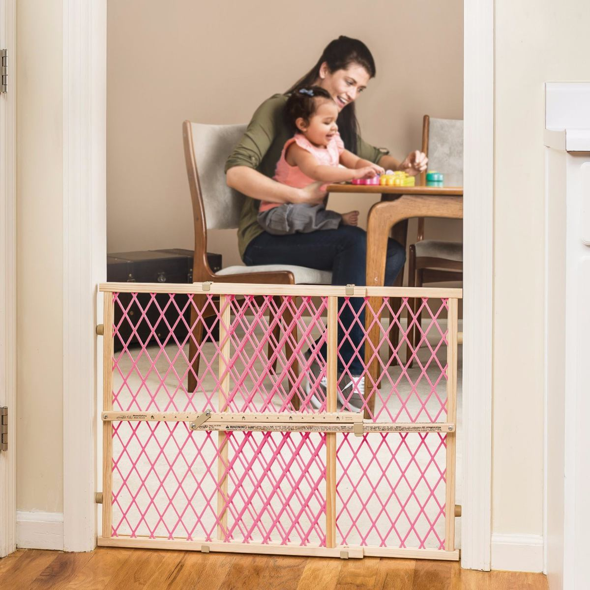 Puerta reja de madera evenflo seguridad bloqueo bebes rosa - Puertas seguridad bebes ...