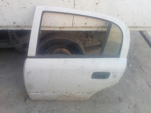 puerta trasera izquierda astra (cascaron 2000/2005