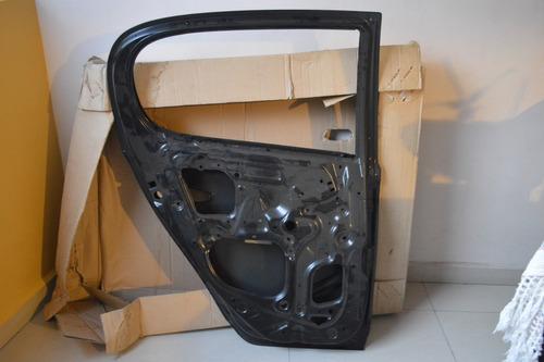 puerta trasera izquierda yaris 2000 2005 original