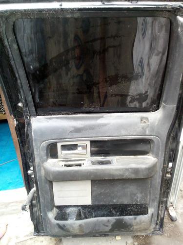 puerta trasera lado copiloto lobo 2012