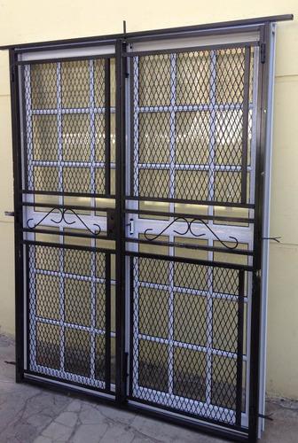 puerta ventana balcon vidrio repartido + reja abrir 150x200