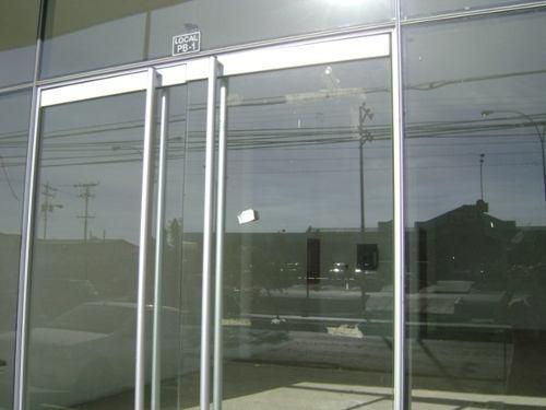 Puerta vidrio bancaria con todos sus accesorios bs 3 for Puertas de vidrio para baneras
