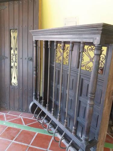 puerta y ventanas de madera colonial oferta casa o posada