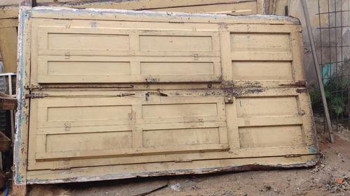 puertas antiguas a reciclar