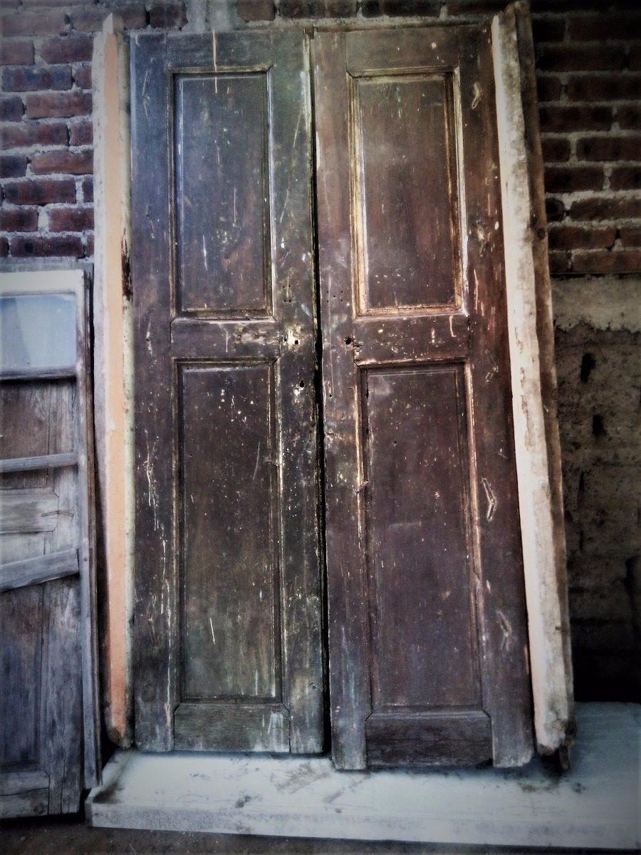 Puertas antiguas de madera with puertas antiguas de for Restaurar puertas antiguas