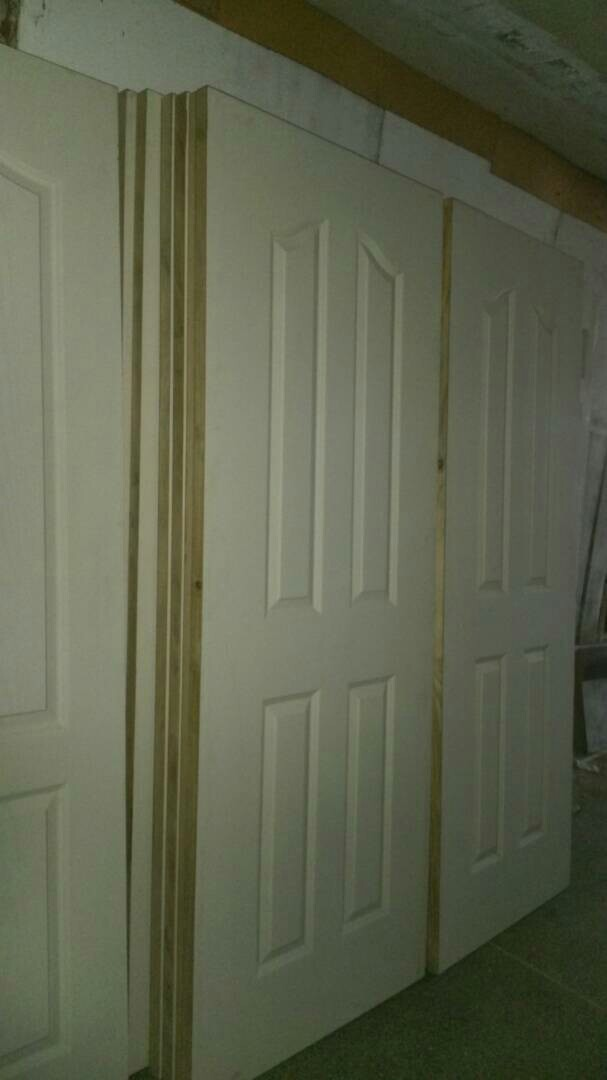 Puertas Blancas Decoradas Solo De 80 - Bs. 650,00 en Mercado Libre