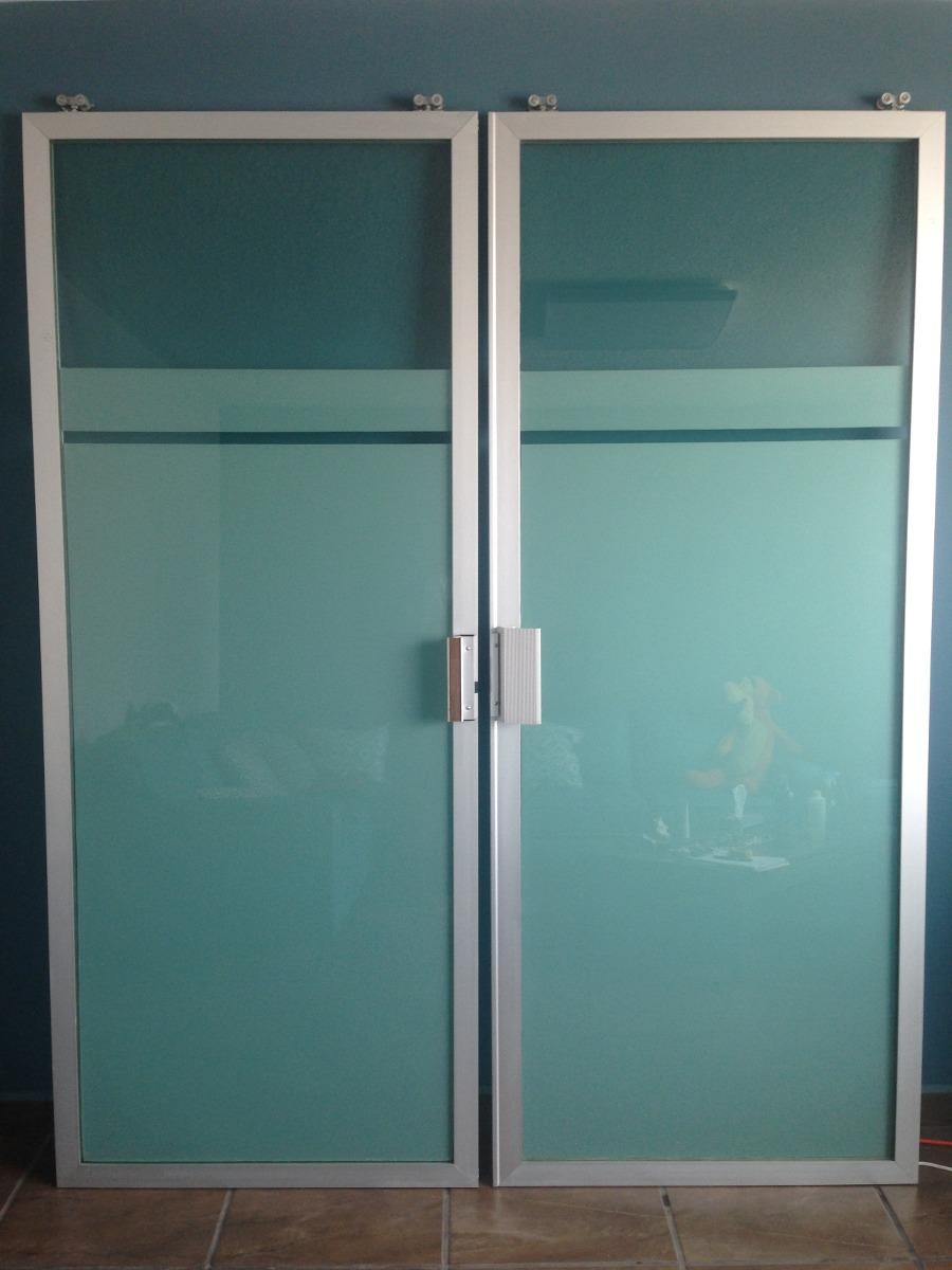 Puertas corredizas de aluminio y vidrio tintex verde for Puertas interiores de aluminio y cristal