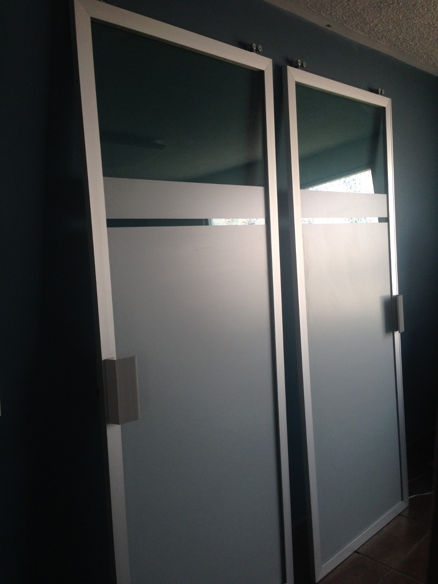 Puertas corredizas de aluminio y vidrio tintex verde Puertas corredizas seguras