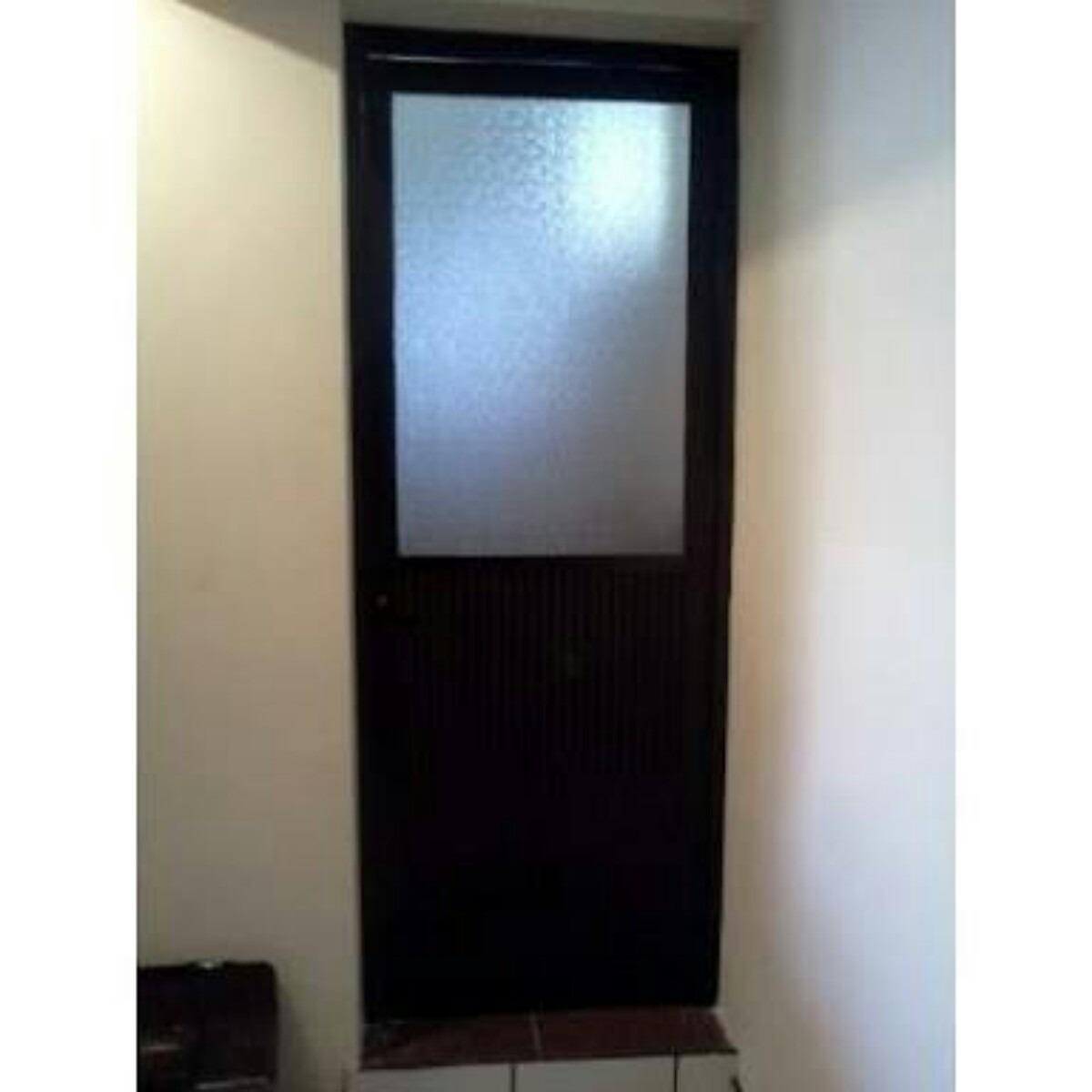 Puertas de aluminio y vidrio anuncio n puertas de for Puertas en aluminio