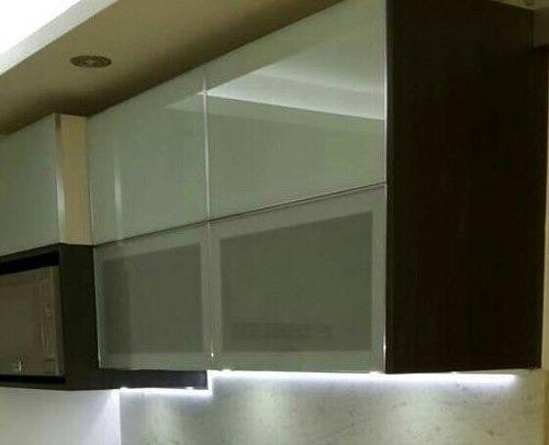 Puertas De Aluminio Y De Cristal Para Cocina 3 000 00
