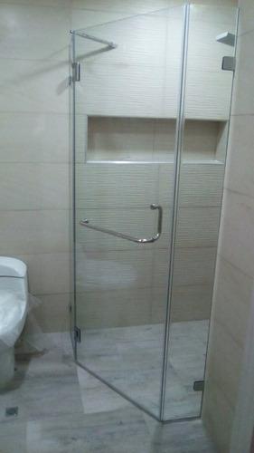 puertas de baño, ducha, en vidrio templado, acrílico.