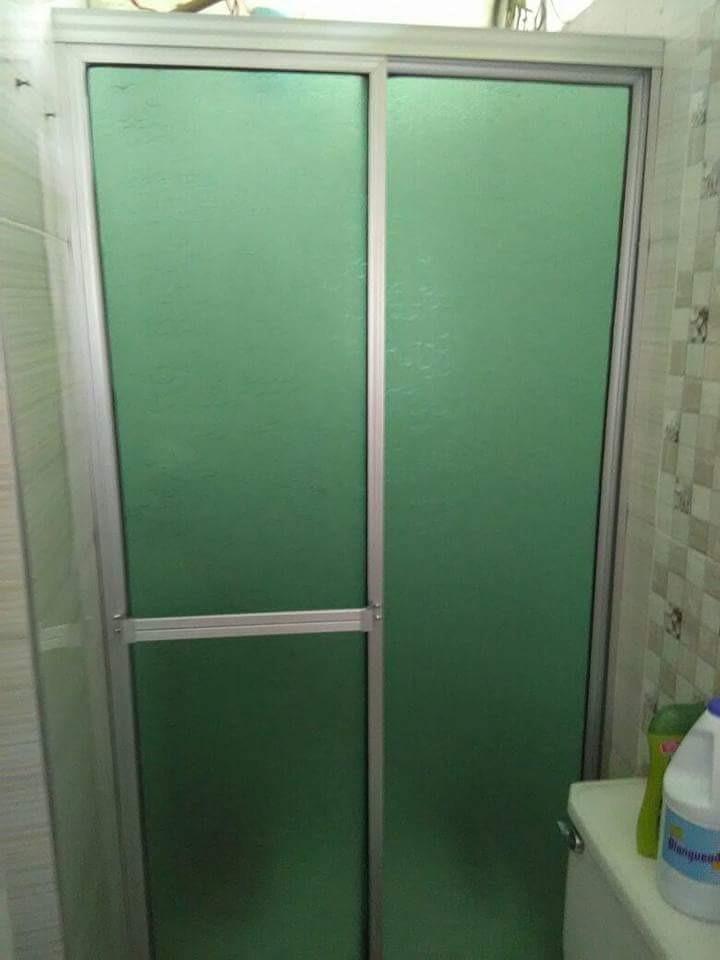 Puertas De Baño En Acrilico - Bs. 290.000,00 en Mercado Libre