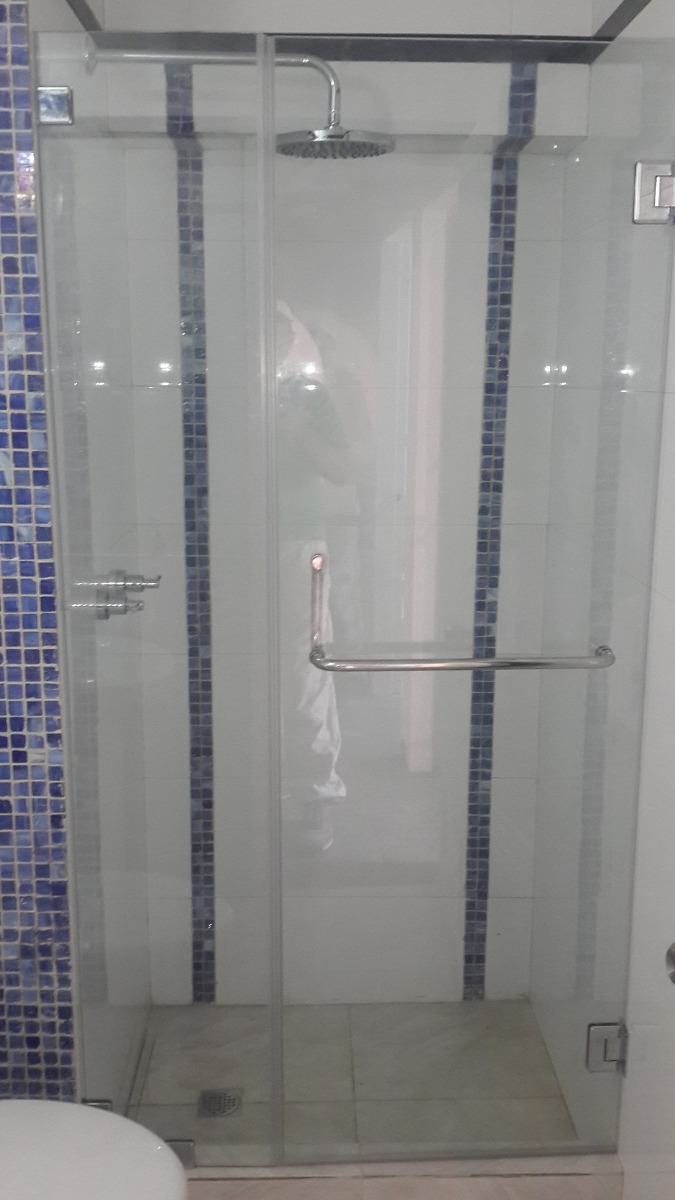 Puertas de ba o vidrio templado bs 900 00 en mercado libre for Vidrios opacos para puertas